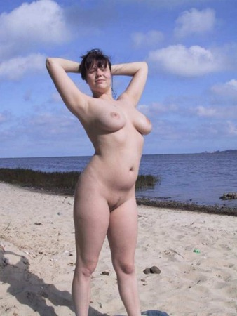 mature woman exposing her big naturals outdoor