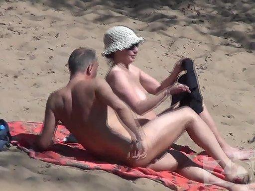 hidden-zone-couple-nude